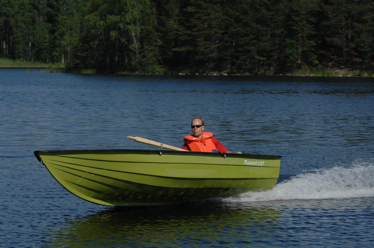Suomi 410T lasikuituvene